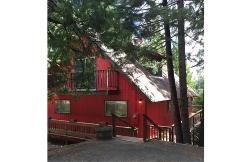 NEW +The Red Cabin LARGE, EASY ACCESS