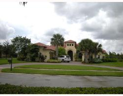 DAVIE HOME ON A BUILDER'S ACRE!!