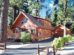 WONDERFUL FULL LOG HOME CLOSE TO SLOPES - TEHAMA