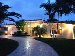 3BED/3.5BA LAUDERDALE BY THE SEA HOME